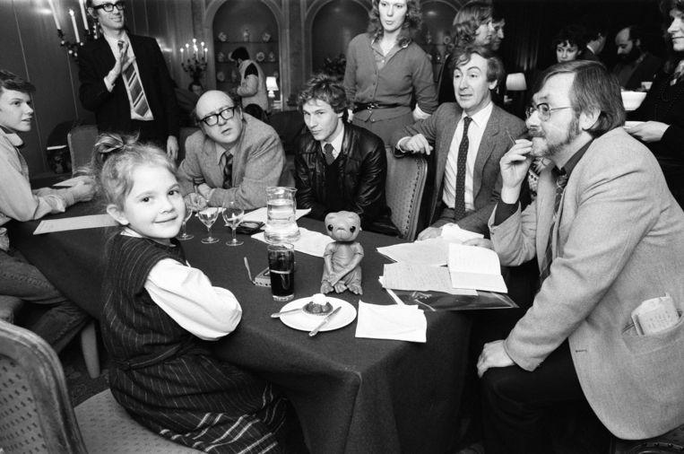 Drew Barrymore (7) geeft een persconferentie in Londen voor de première van E.T., 1982. Beeld Getty
