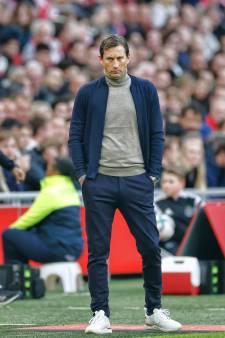 PSV worstelt met zichzelf, het verwachtingspatroon en een concurrent die doorstoomt