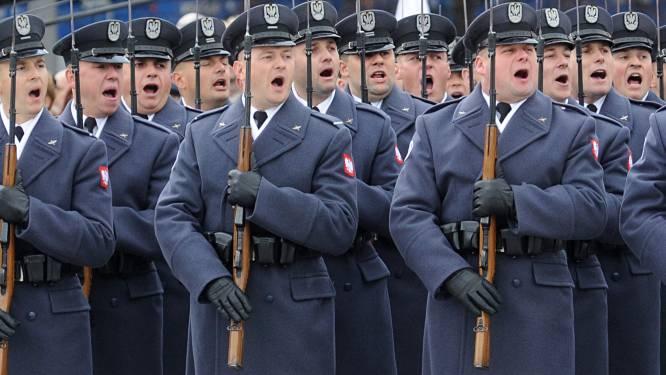 Verschillende generaals nemen onverwachts ontslag in Polen