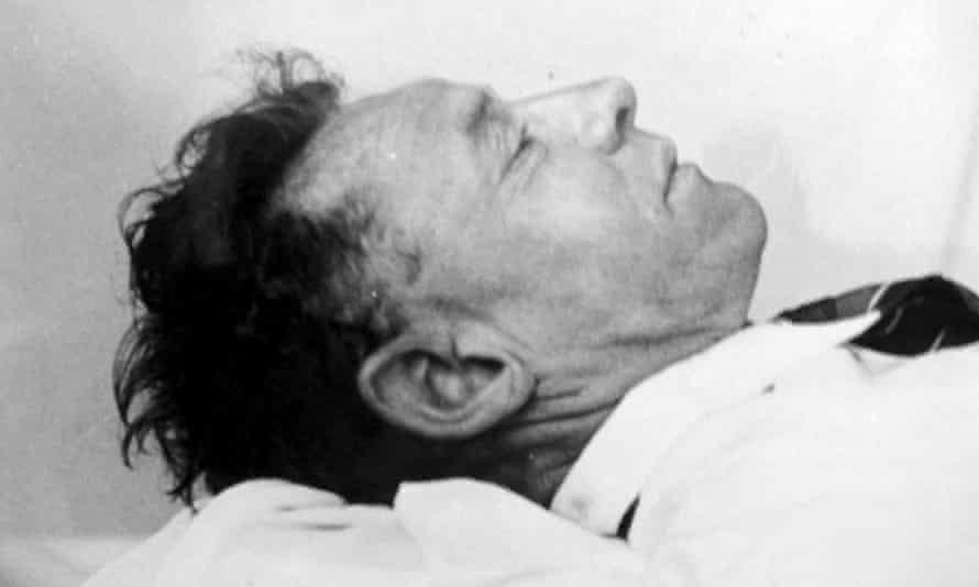L'inconnu a été retrouvé mort sur une plage australienne en 1948. L'autopsie n'a jamais permis de révéler les causes de son décès.