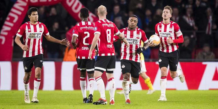 PSV won het laatste duel voor de winterstop van AZ.
