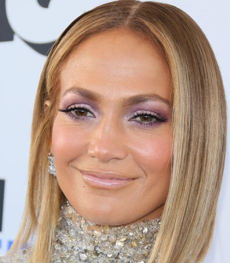 Trop de chirurgie esthétique? Jennifer Lopez répond