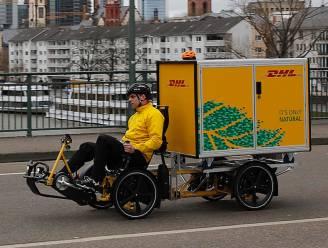 DHL omzeilt 'knips' in Gent per fiets... met serieus bagagerek