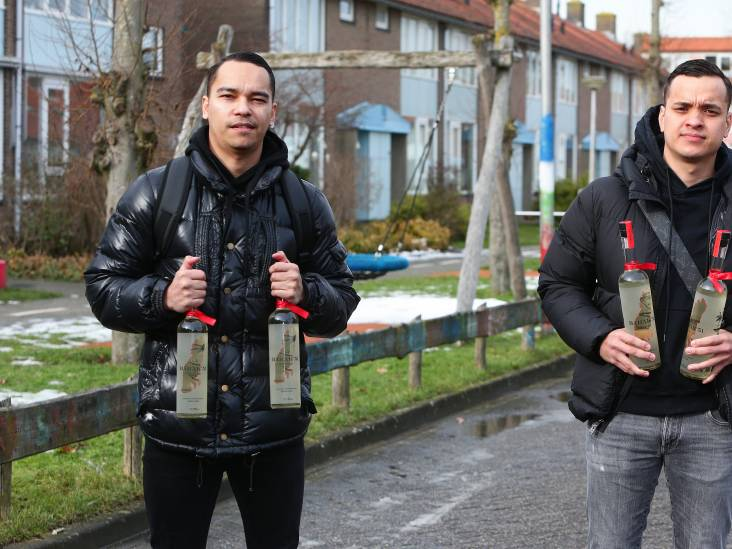 Raymon en Marchiano lanceren eigen jenever: 'Oubollig? Als opa en oma het drinken, drinkt iedereen het'