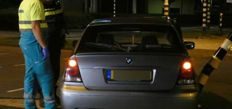 Bestuurder raakt gewond bij botsing tegen verkeerslicht op Takenhofplein