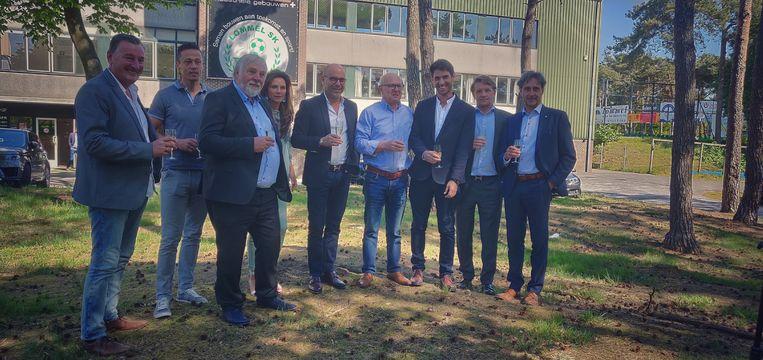 Het nieuwe bestuur van Lommel met Udi Shochatovitch (midden) en Rudi Vandenput (tweede van rechts) in een cruciale rol.