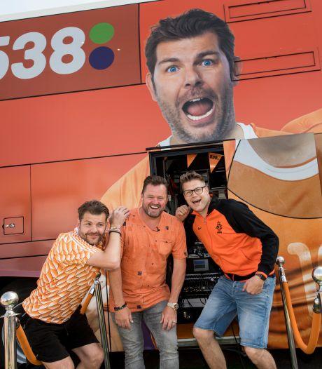 Op de dag dat Frankrijk tegen Duitsland speelt, strijkt Radio 538 bij Frans Duijts in Tiel neer