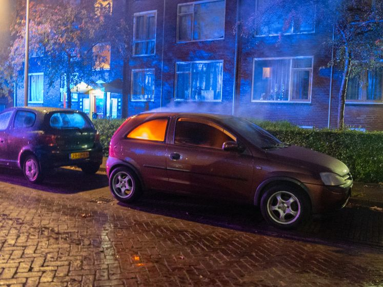 Opnieuw raak in Deventer: auto in brand