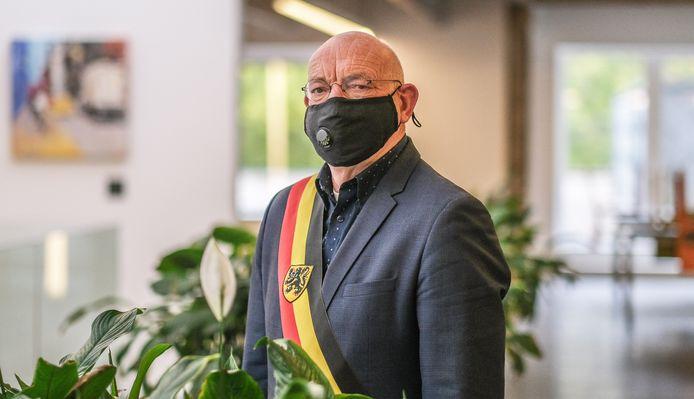 Burgemeester Marc Doutreluingne zit thuis in quarantaine omwille van een positieve coronatest.