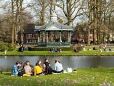 Gezellig druk in Apeldoorns Oranjepark, maar wat als straks de lente komt? 'Pak je verantwoordelijkheid'