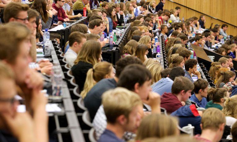 Een volle aula? Het is voor talenopleidingen een zeldzaamheid geworden. Beeld Belga