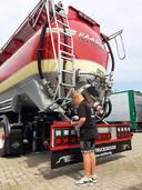 Geoffrey Vermeulen bij 'zijn' Scania.