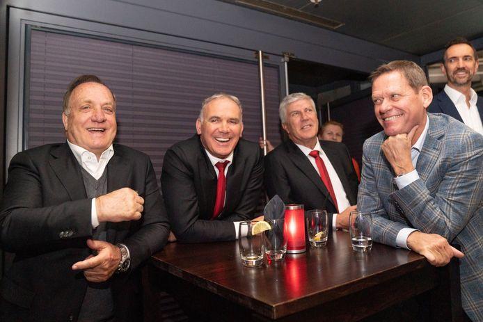 Dick Advocaat, rvc-lid Sjaak Troost, Cor Pot en Frank Arnesen.