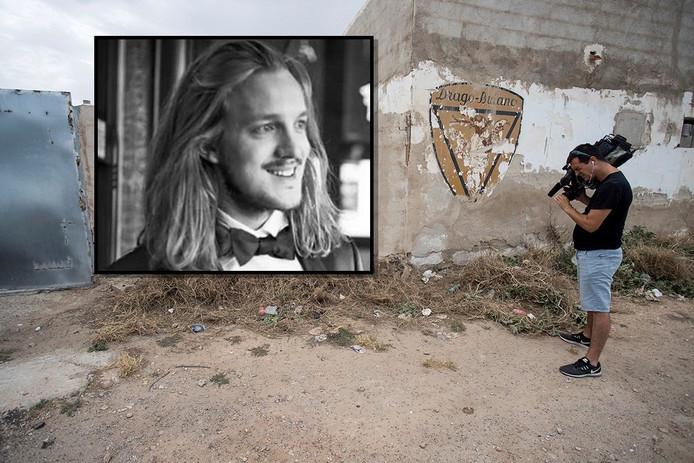 Een cameraman filmt de plek in Son Ferriol waar het lichaam van Van Luijn werd gevonden