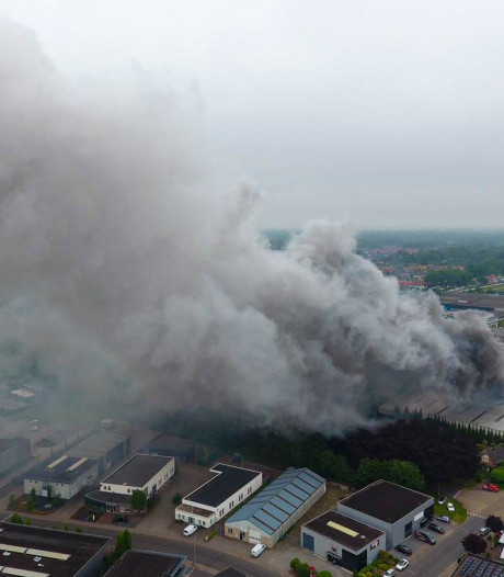 Tien door brand getroffen bedrijven in Vorden weer bereikbaar