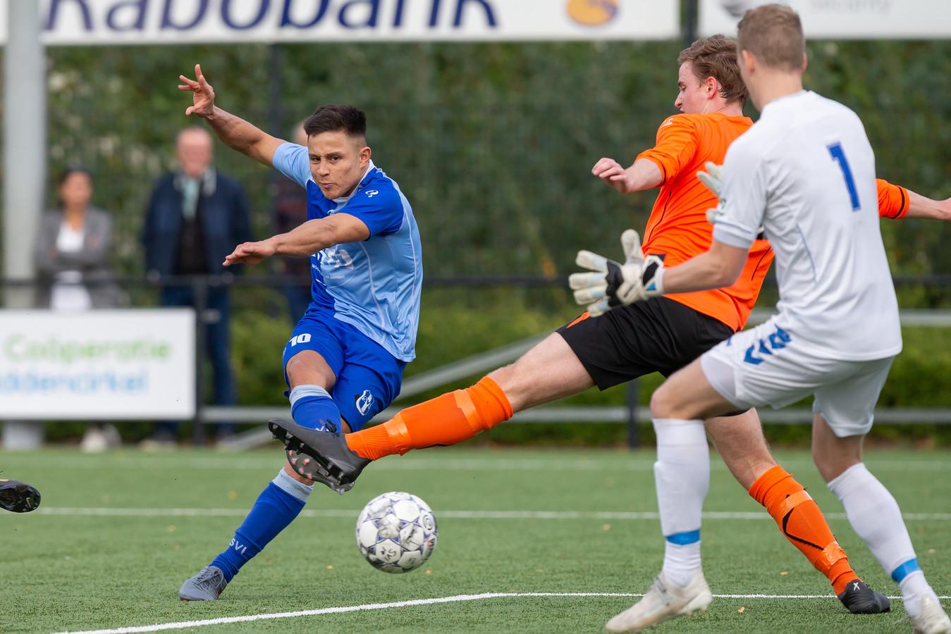 Nico Veldman gaat voor de tweede keer in zijn loopbaan van Zwolle naar Kampen.