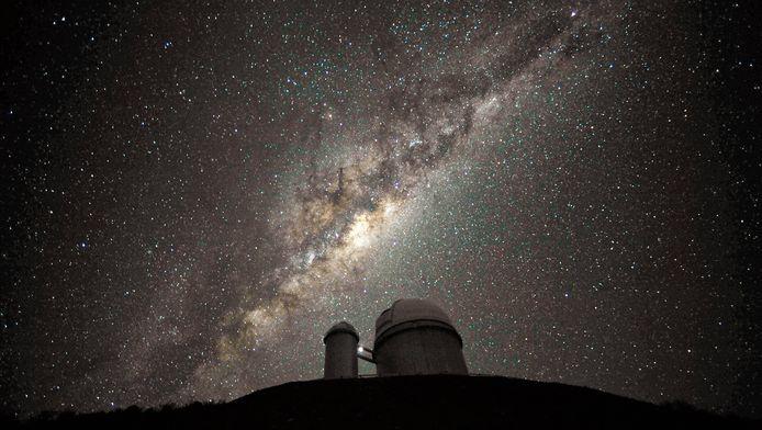 Het Melkwegstelsel bevat in het centrum een superzwaar zwart gat.