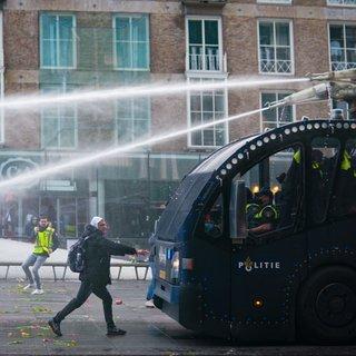 Hoe de knop in Eindhoven om ging. 'Ben zo trots op al die strijders! REVOLUTION!!!!'