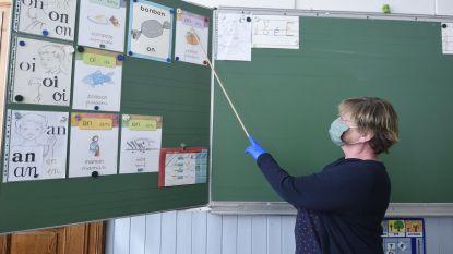 Leraren in opleiding van hogeschool Vives en KU Leuven helpen bij heropstart scholen