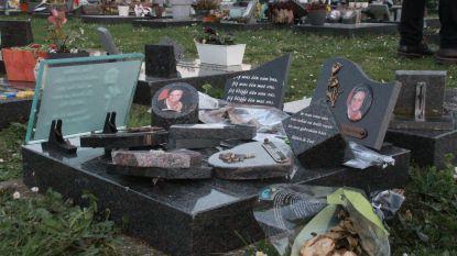 Vandaal slaat tientallen grafzerken op nieuwe begraafplaats Wevelgem kapot
