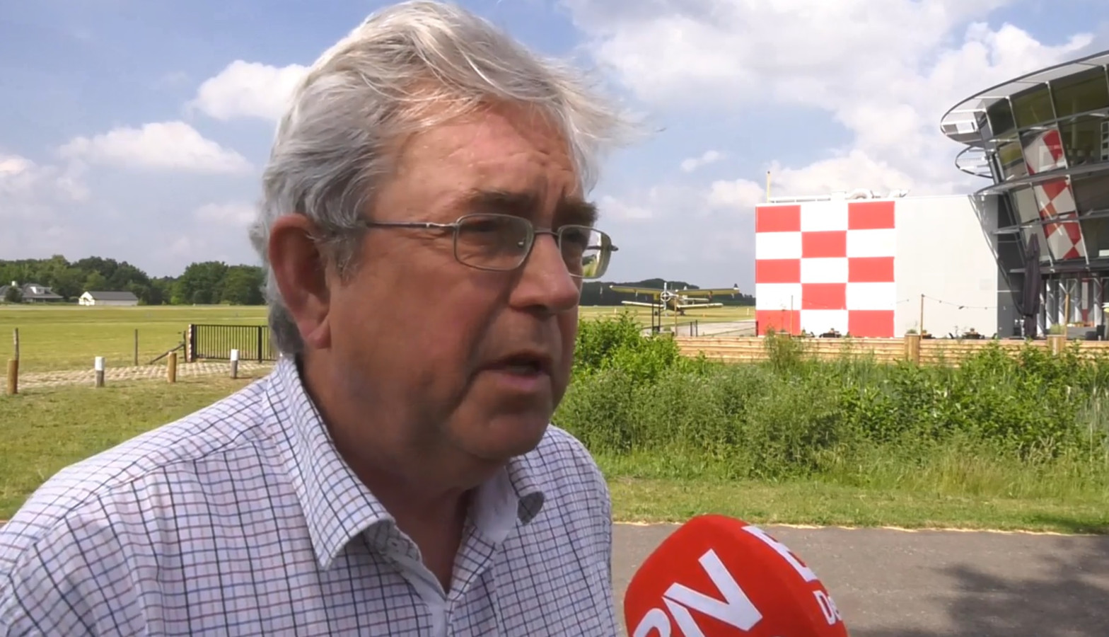 Directeur Breda International Airport in gesprek met BN DeStem