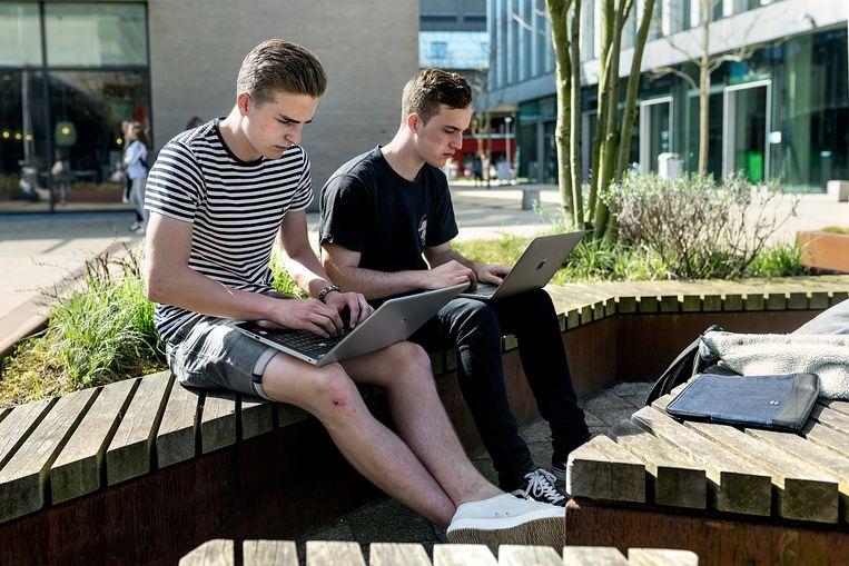 Vooral 18- tot 34-jarigen, de digital natives, voelen zich onveiliger op het internet. Beeld Hollandse Hoogte / David Rozing