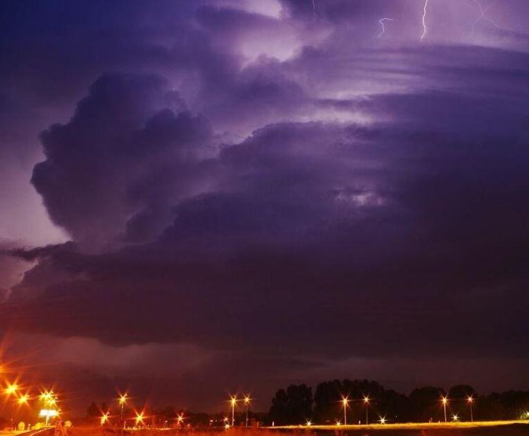 De lucht vannacht boven Den Bosch Beeld Weerplaza/Wouter van Bernebeek