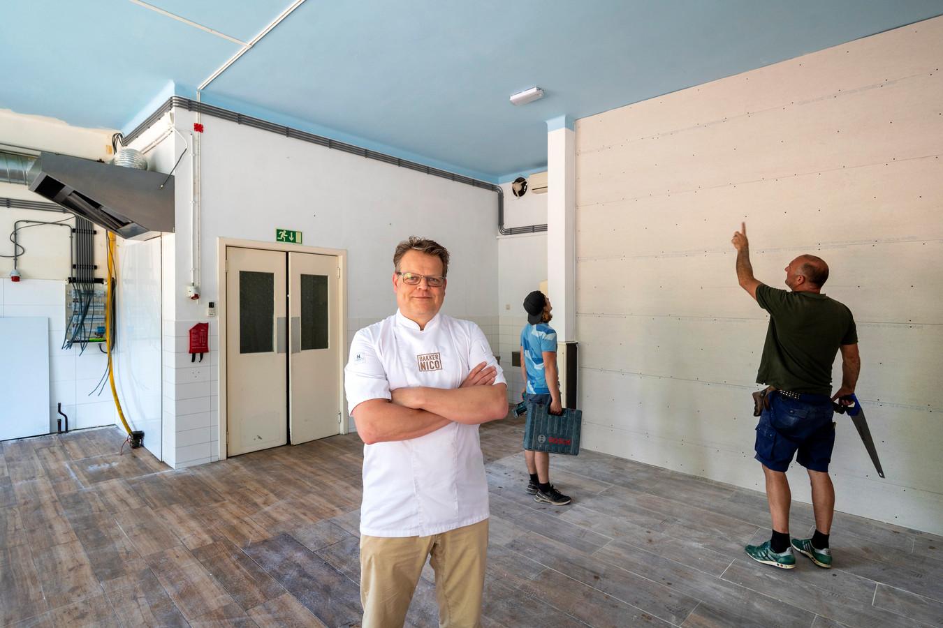 Oosterbeek, 14 juni 2021. Bakker Nico van Meijdel in zijn nieuwe bakkerszaak aan de achterkant van restaurant Schoonoord. Hij gaat het pand verbouwen. Daarvoor begint hij een crowdfundingsactie. dgfoto . Foto: Gerard Burgers