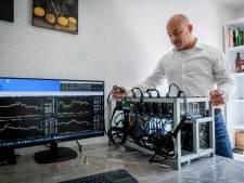 Danny (41) bouwt computers voor cryptomunten, maar hij is nog geen miljonair