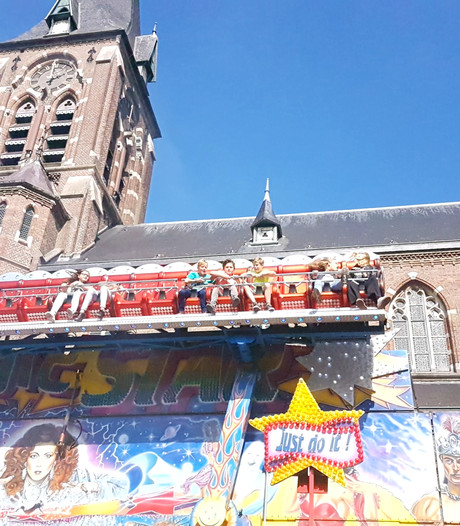 Bavelse identiteit in optima forma op kermis