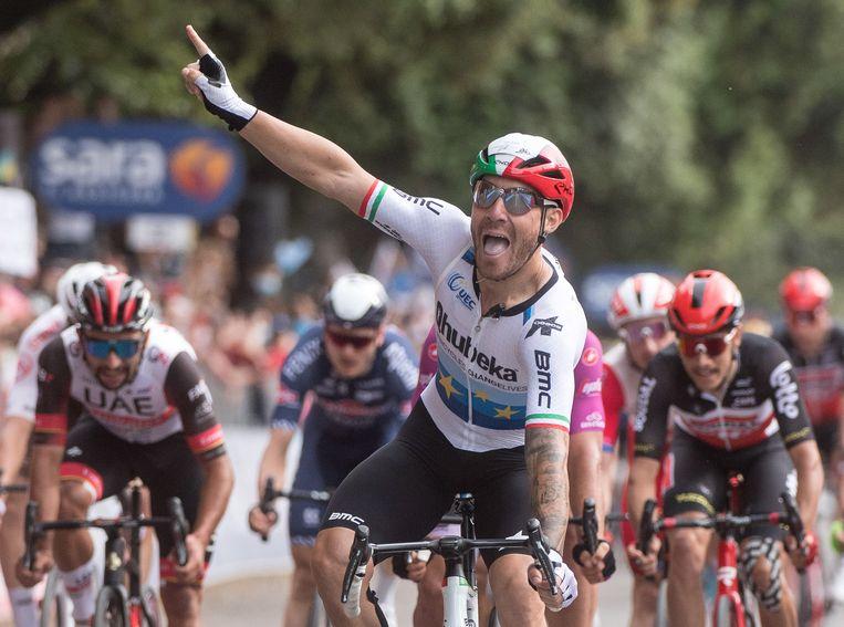 Europees kampioen Giacomo Nizzolo pakt zijn eerste ritzege in de Giro. Beeld EPA