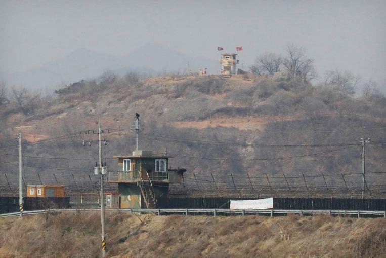 De Noord-Koreaanse grens, gezien vanuit Zuid-Korea. Beeld AP