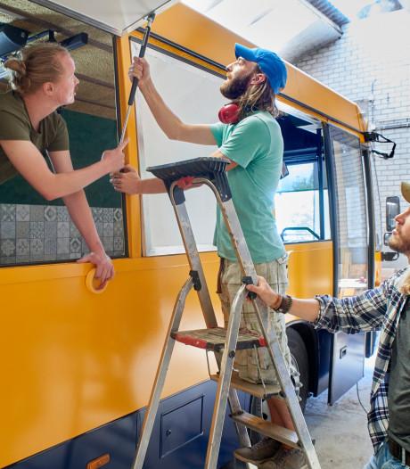 De festivalbus van Lijn 99 moet en zal vrijdag klaar zijn