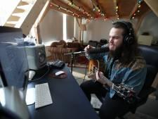 Dave Vermeulen geeft les over liedjes schrijven: 'Van deze melodie krijg ik zin om naar de kroeg te gaan'