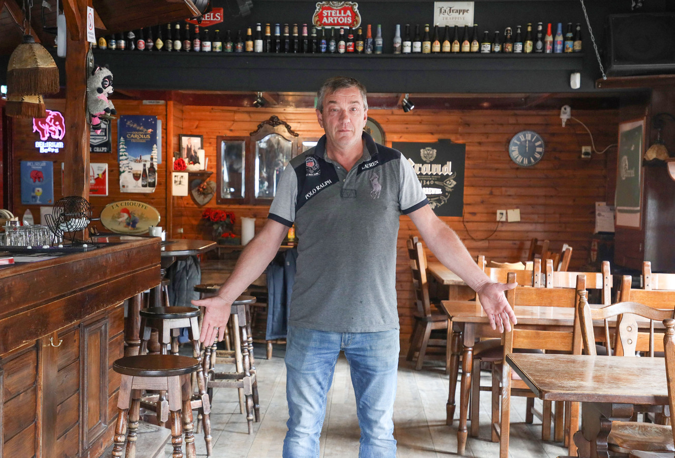 Cafebaas Marc van Calster in cafe 't Karrewiel