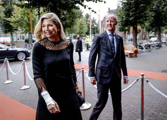 Koningin Máxima komt aan voor een gesprek over ondernemerschap bij de vierde Koning Willem I Lezing. Koningin Maxima is erevoorzitter van de Koning Willem I Stichting en lid van het Nederlands Comité voor Ondernemerschap.