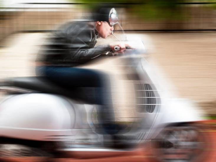 Politie bekeurt 43 mensen bij verkeerscontroles in Tilburg
