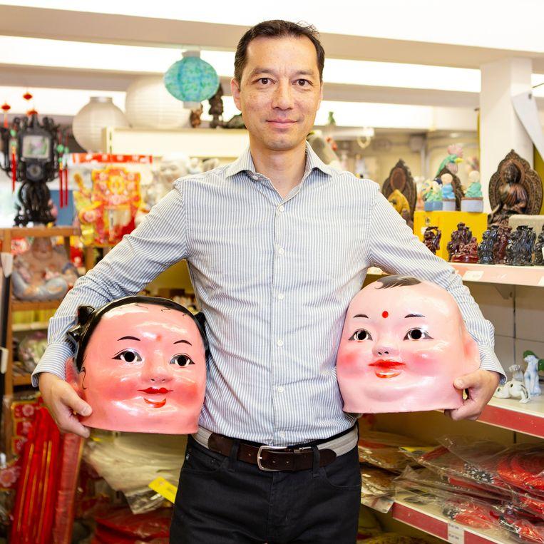 Kin Ping Dun, de huidige eigenaar van de toko. Beeld Pauline Niks