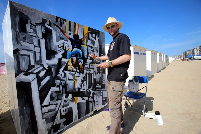 Michael Marek schildert een skydiver op een cabine.
