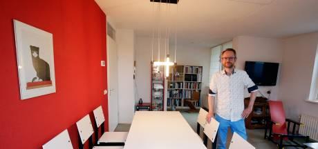 In het huis van Cornelis doet alles denken aan Rietveld: 'Mijn vader heeft dit nagemaakt'