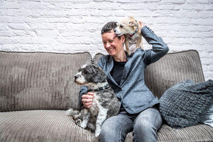 MS-patiënte Niki van de Wier uit Eindhoven onderging een stamceltherapie in België.