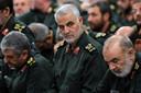 Generaal Qassem Soleimani (C).