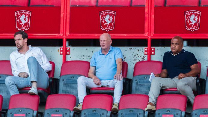 Jan Streuer (midden) met rechts naast hem Patrick Busby.   (M) Jan Streuer Technisch Directeur FC Twente