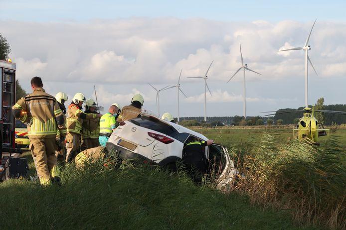 Automobilist bekneld bij ongeluk in Etten-Leur.