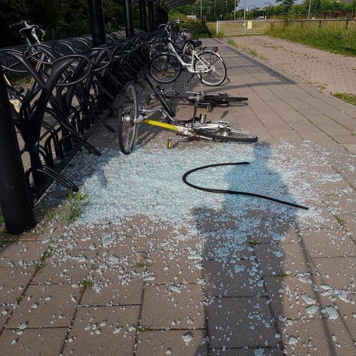 Vernielingen op het station van Arnemuiden