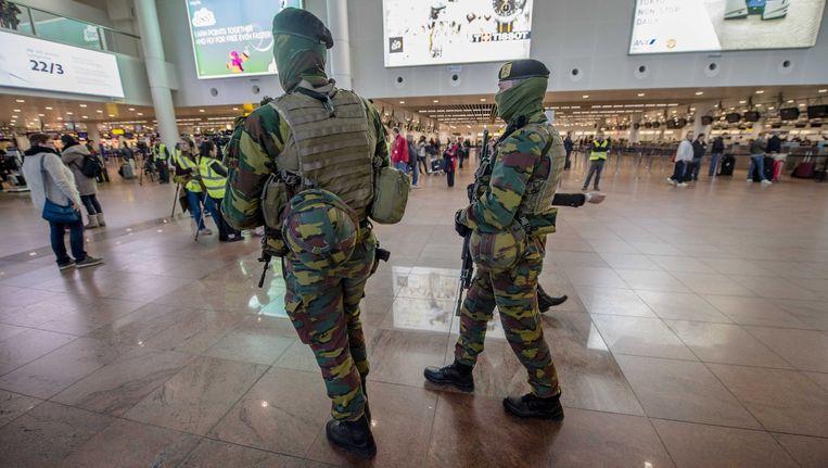 Militairen in de luchthaven van Zaventem.