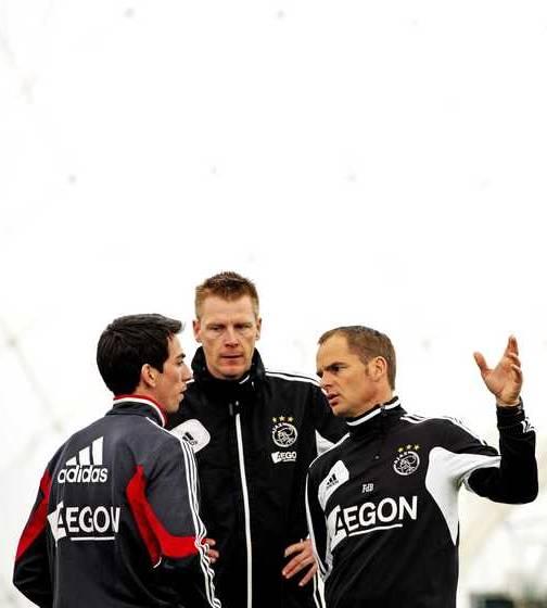 Frank de Boer (r) en Barcelona-huurling Isaac Cuenca (l).