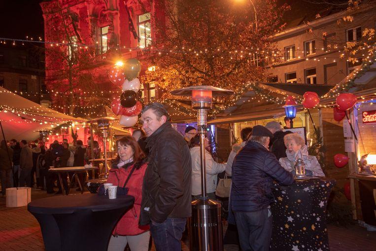Christmas Loveland : 50.000 lampjes op de kerstmarkt in Wetteren.