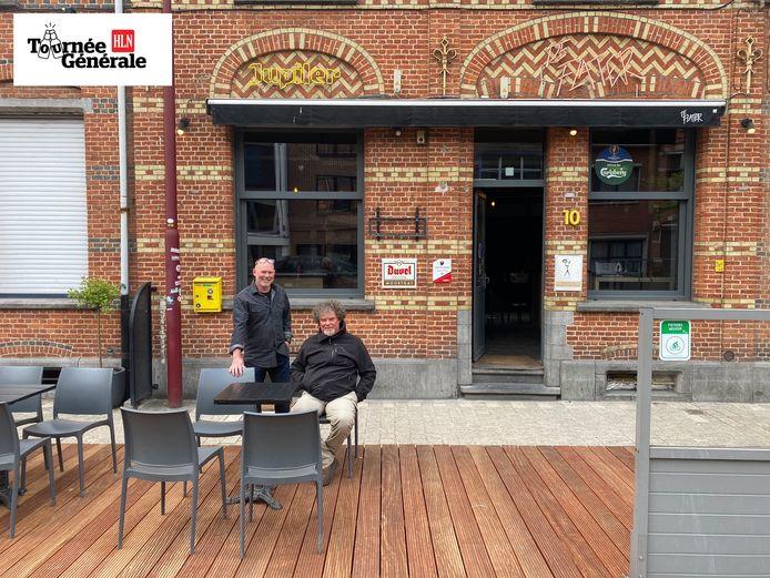 Dirk en Bert Smolders, uitbaters van Café De Flater.