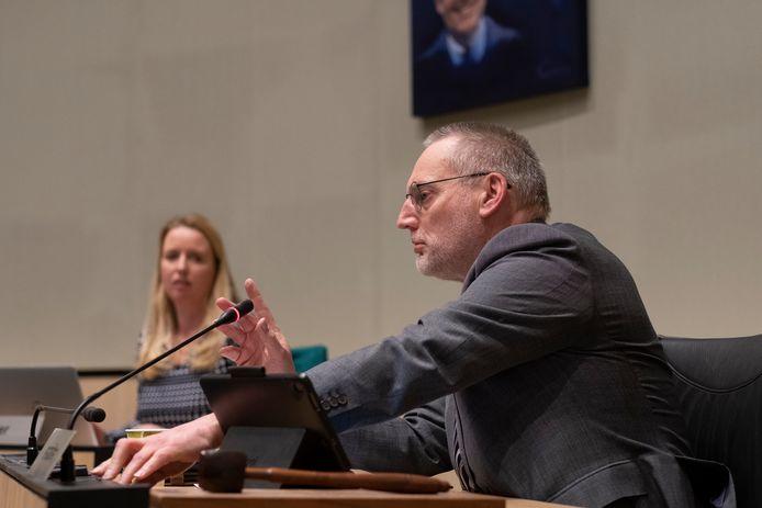 Burgemeester Tom Horn (r) heeft ook steken laten vallen, stelt VVD-fractievoorzitter Ruud Jager.